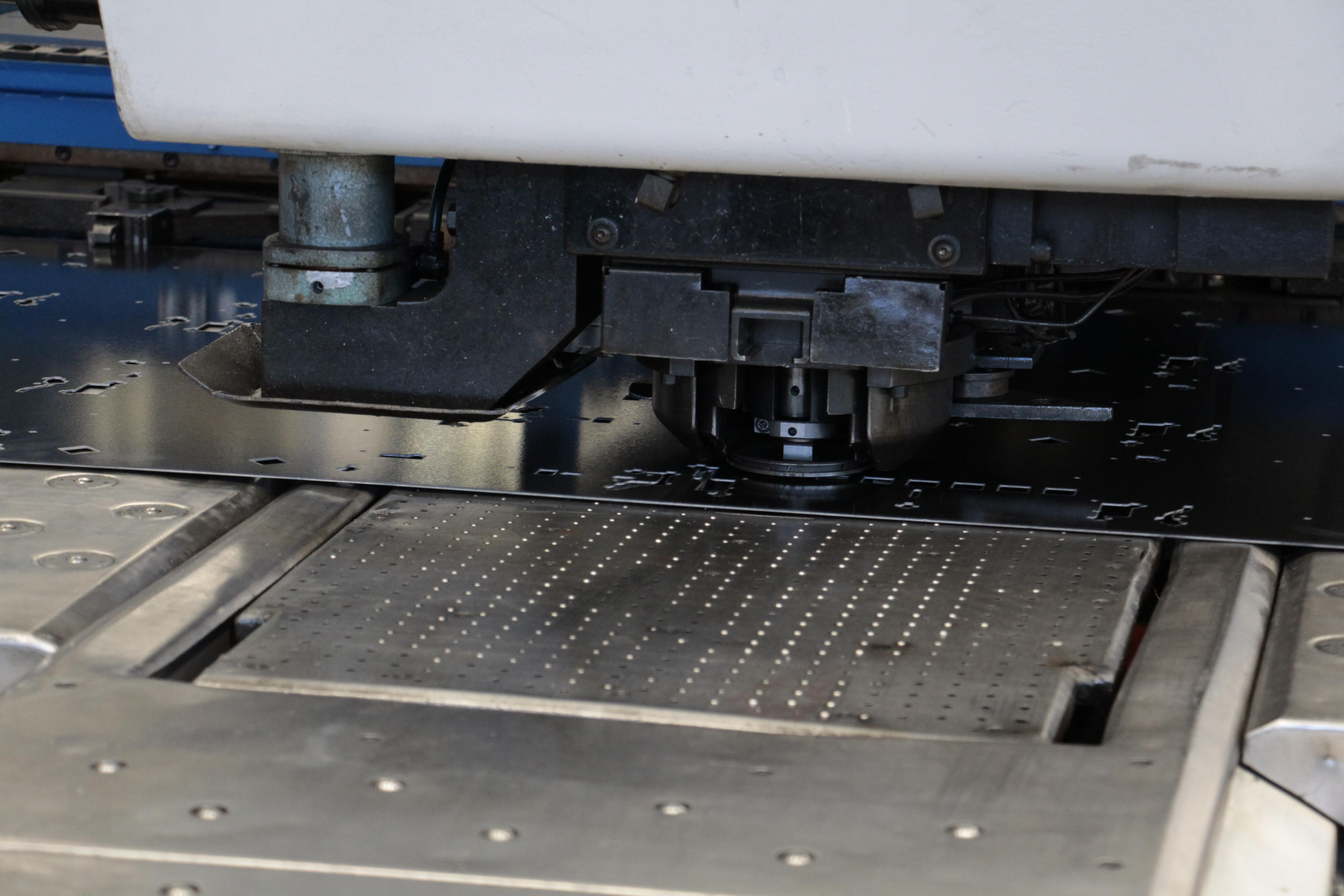découpe-laser-sur-tôle